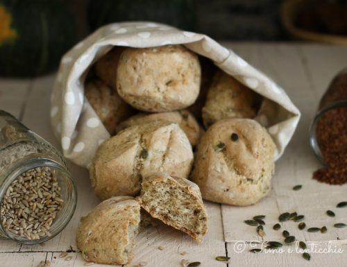 Pane integrale con semi girasole zucca e lino