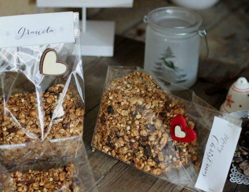 Granola da colazione fiocchi semi e frutta