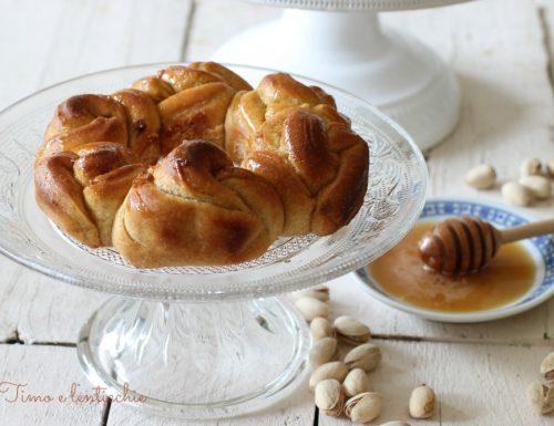 Challah al miele e crema di pistacchi