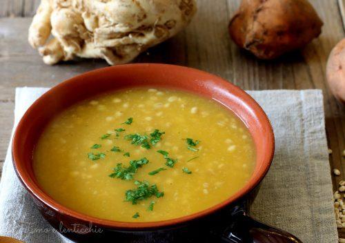 Zuppa di sedano rapa orzo e batata