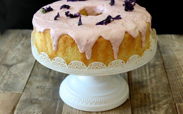 Chiffon cake o fluffosa ai fiori di malva