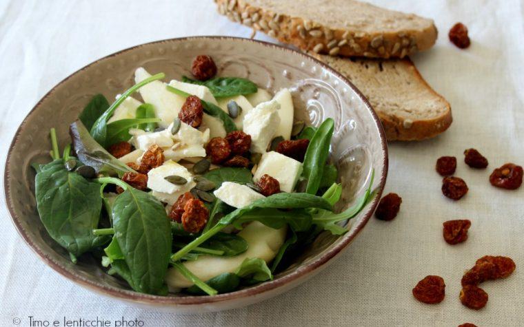 Insalata spinaci caprino e physalis
