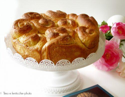 Torta di rose classica e torta di rose vegana
