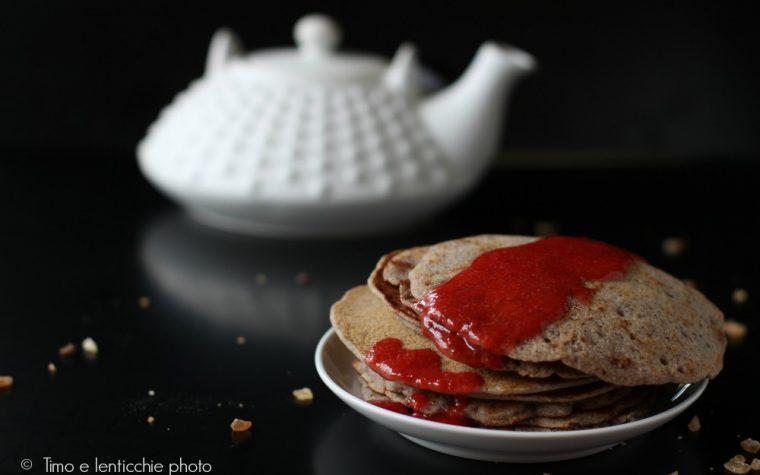 Pancakes al grano saraceno con coulis di fragole