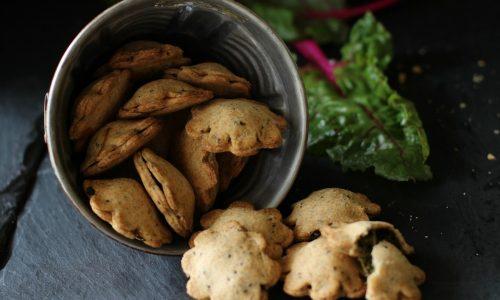 Biscotti salati alle bietole