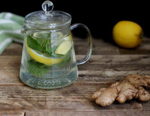 Tisana della buonanotte alla melissa limone e zenzero