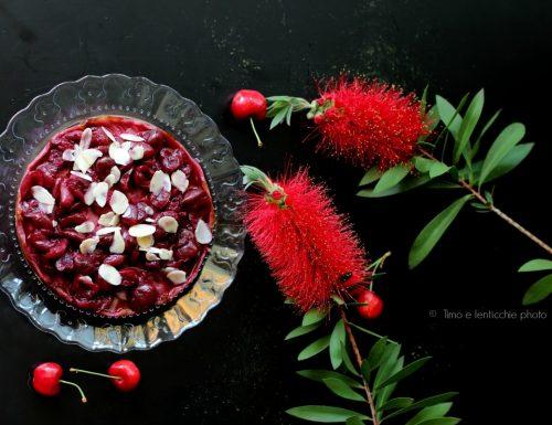 Vegan cheesecake alle ciliegie e mandorle