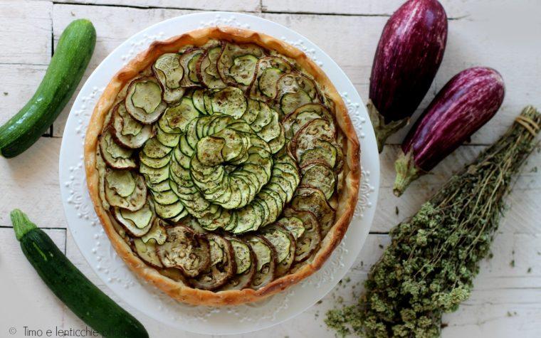Torta salata alle melanzane striate e zucchine