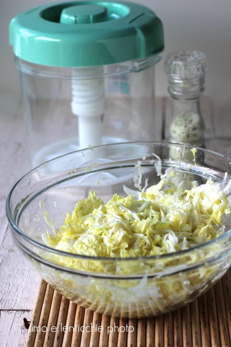 Insalatini di verdure fermentate in salamoia
