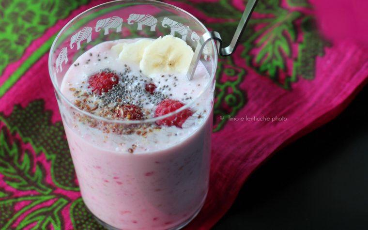Smoothie cocco e lamponi ricetta vegan