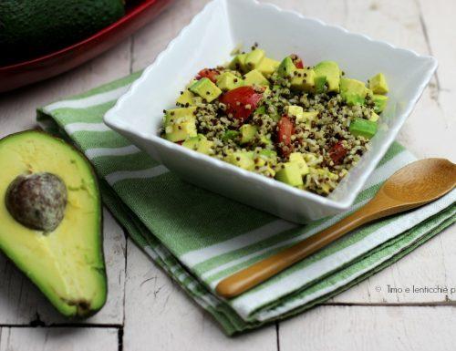 Quinoa e freekeh avocado e pomodorini