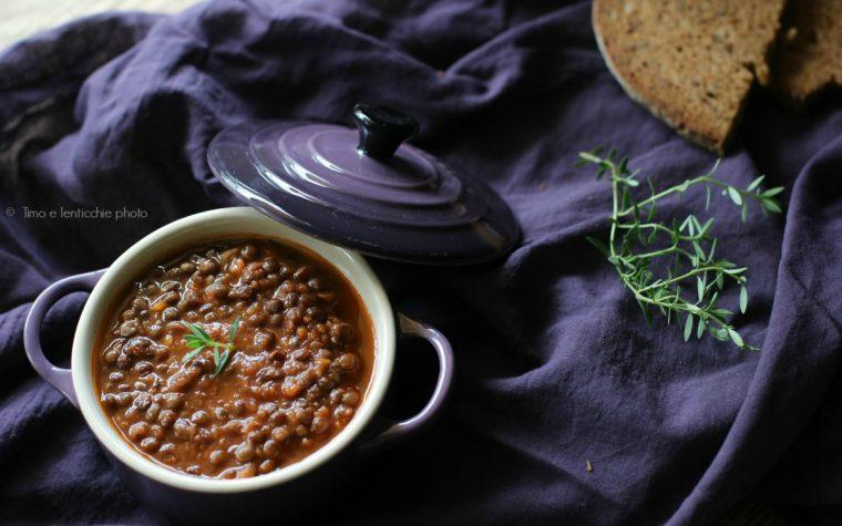 Zuppa di lenticchie beluga al profumo di timo