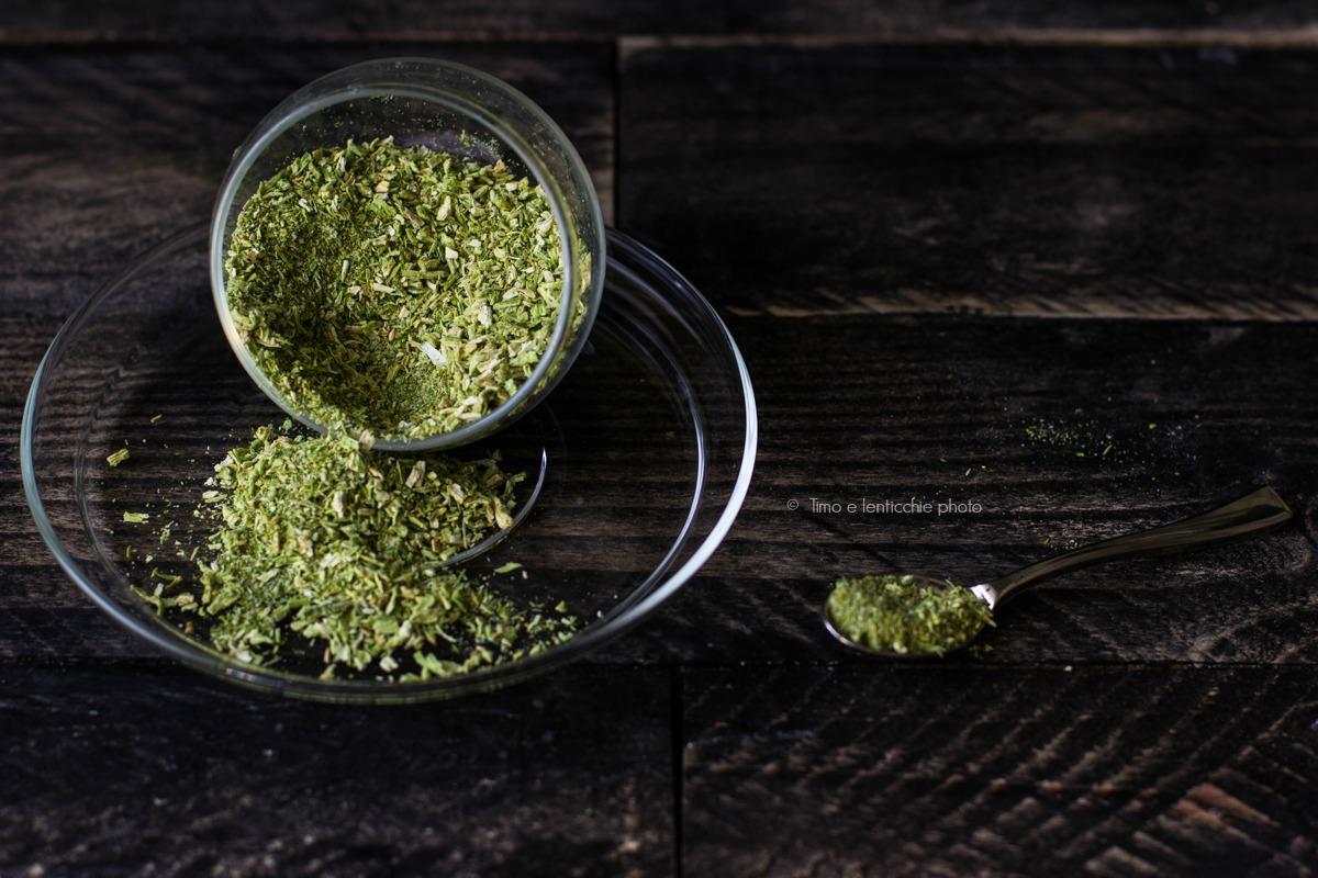 Come preparare il sale di sedano fatto in casa