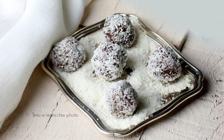 Tartufi al cocco e cioccolato ricetta veloce