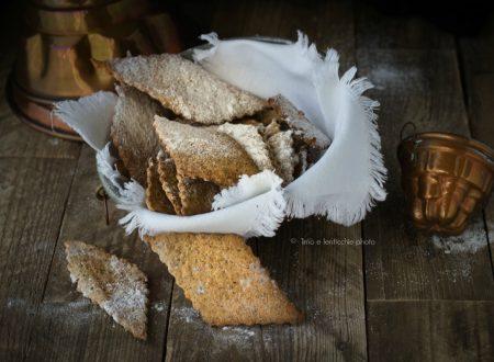 Biscotti di farro spelta integrale finte chiacchere