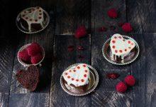Cuoricini soffici ai frutti di bosco e cioccolato bianco