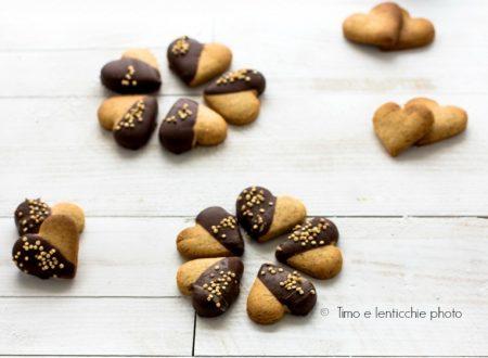 Biscotti cuore di frolla friabile vegan