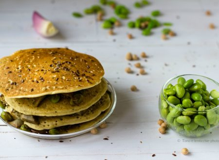 Pancakes di ceci con edamame e carciofi