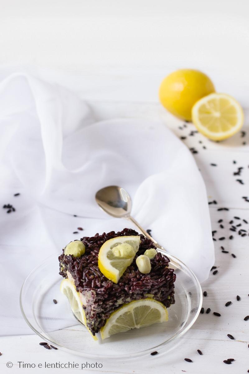 Tortino di riso venere pesto di fave e limone 1