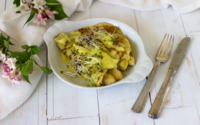 Crepes di piselli con asparagi bianchi e besciamella allo zafferano