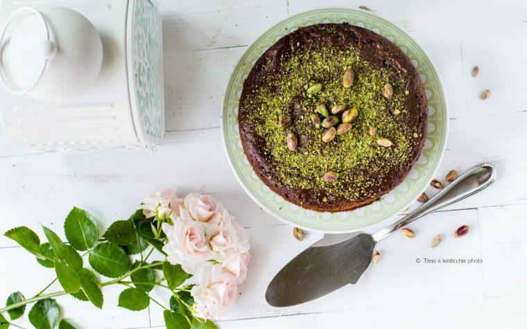 Torta ai pistacchi di bronte e cioccolato ricetta vegan