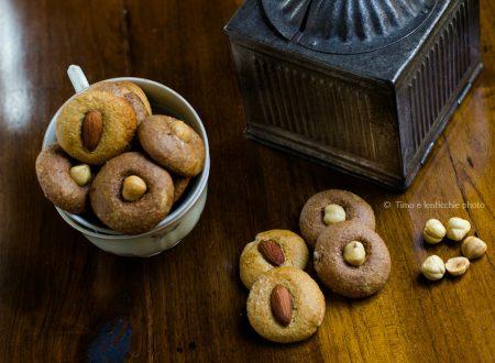 Biscotti con crusca malto e frutta secca