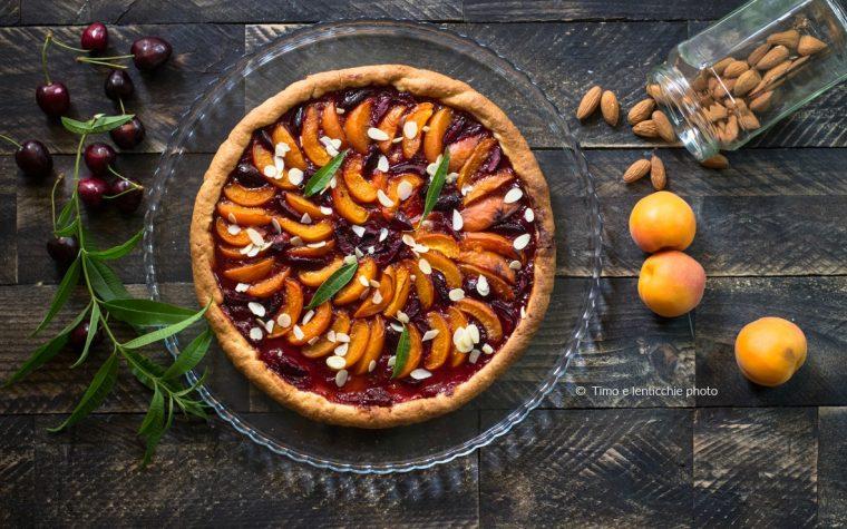 Crostata albicocche e ciliegie ricetta vegana
