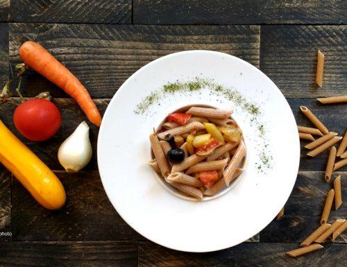Penne al farro integrale con ratatoulle di verdure