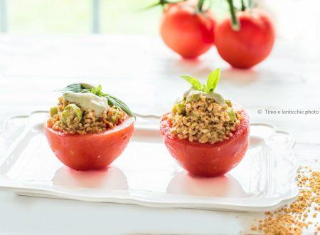 Pomodori ripieni di soia gialla e zucchine