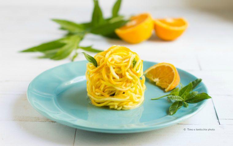 Spaghetti di zucchine gialle raw vegan gluten free