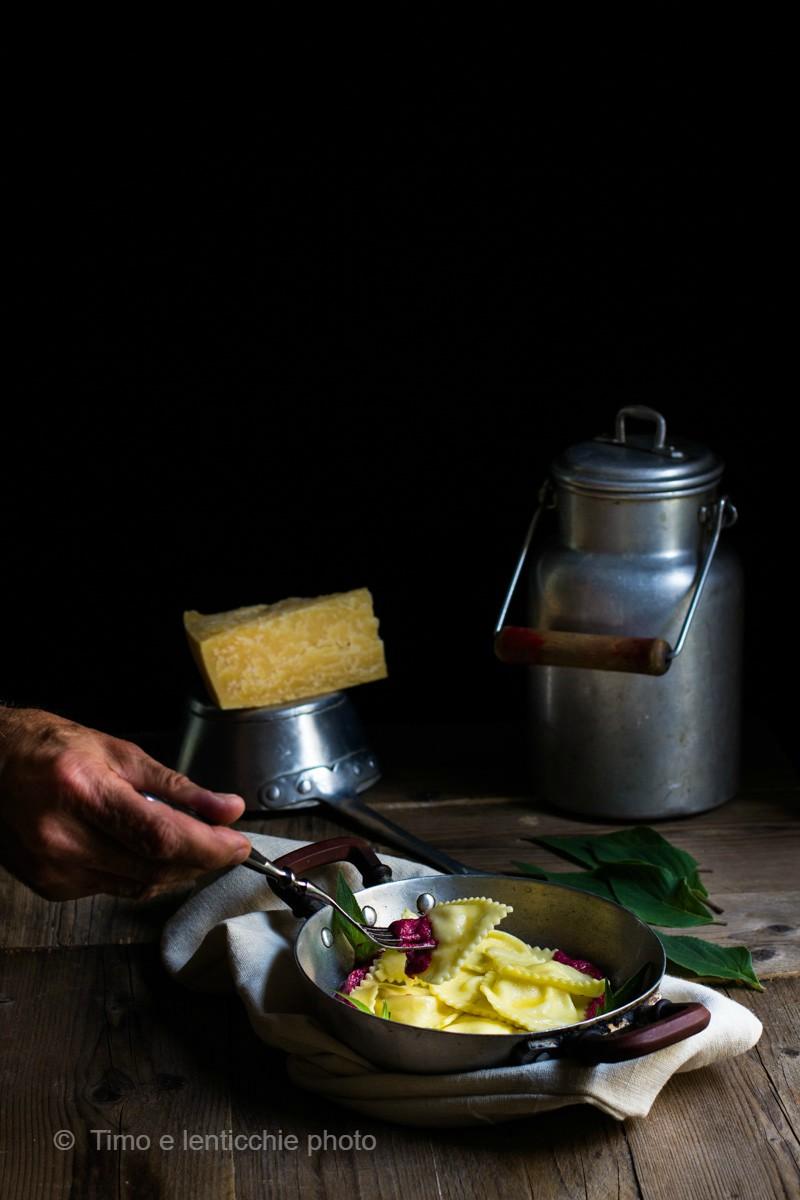 Ravioli ripieni al Vezzena di malga su crema di rapa 1 ss