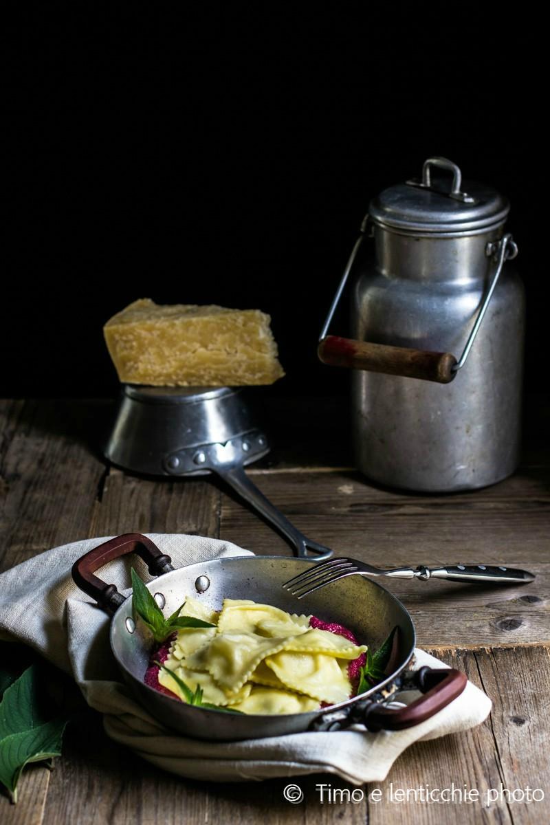 Ravioli ripieni al Vezzena di malga su crema di rapa 3 s