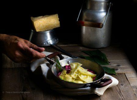 Ravioli ripieni al Vezzena di malga su crema di rapa