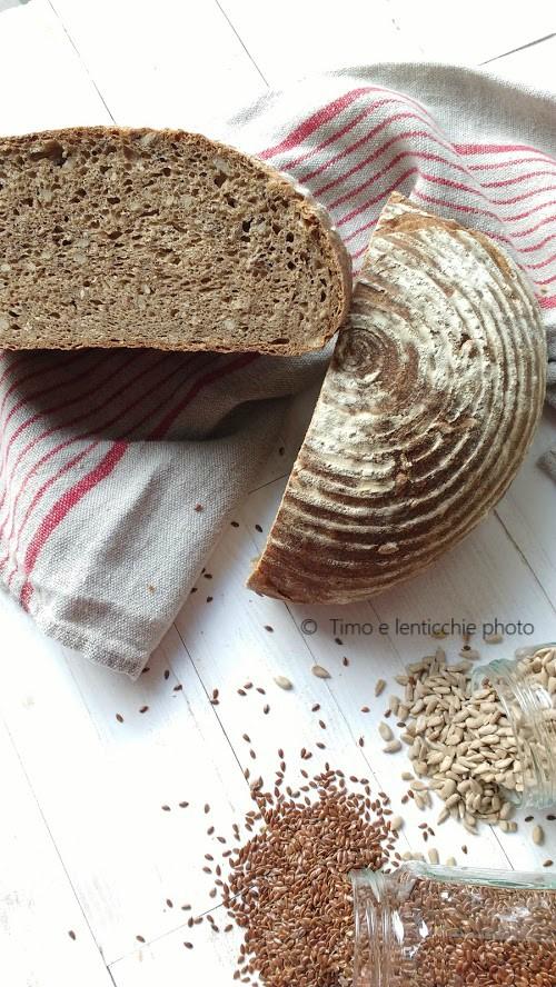Pane al muesli con lievito madre