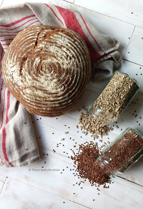 Pane al muesli con lievito madre 2