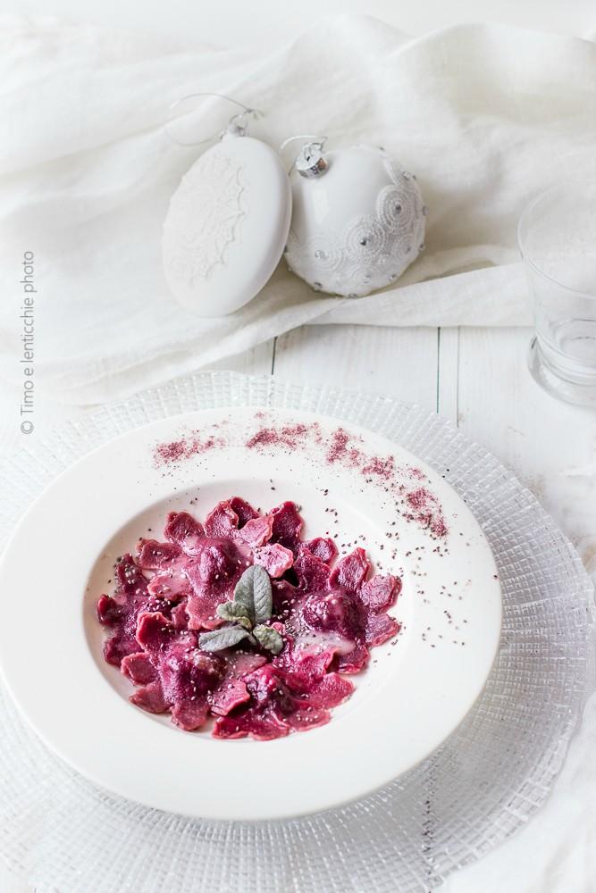 Ravioli alla barbabietola rossa spinaci e patate 1
