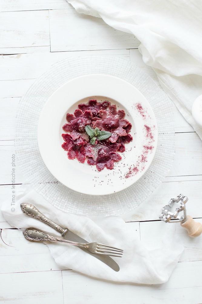 Ravioli alla barbabietola rossa spinaci e patate 3