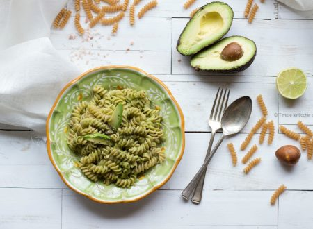 Trivelline di pasta al farro integrale e crema di avocado