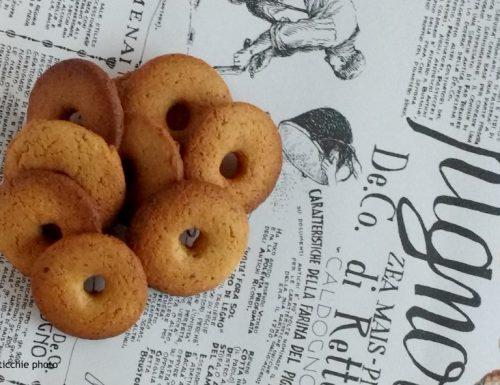 Biscotti al mais e cocco
