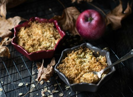 Crumble di mele – apple crumble ai fiocchi d'avena
