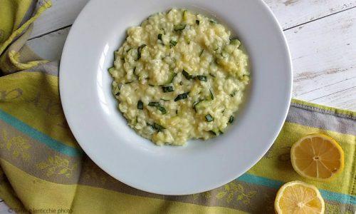 Risotto zucchine e limone - ricetta vegetale