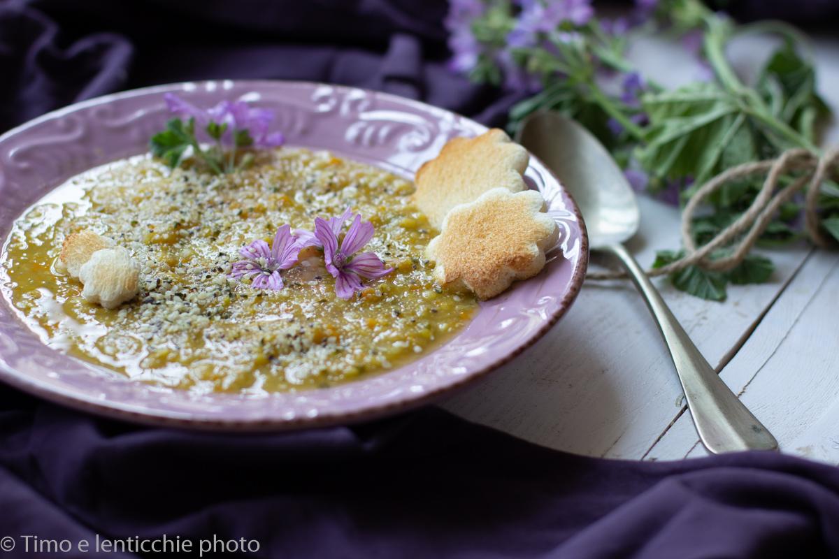 Zuppa di amaranto e lenticchie alla malva timo e lenticchie