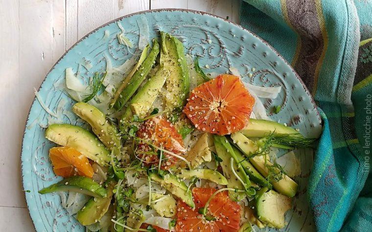 Insalata arancia avocado finocchi