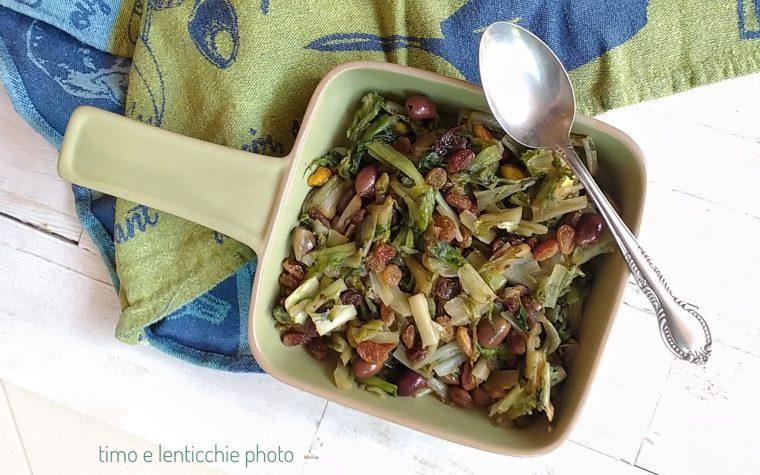 Scarola uvetta olive e pistacchi