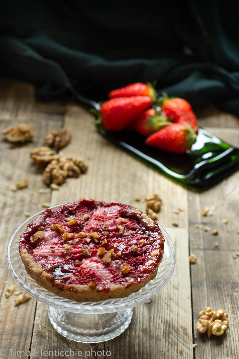 Crostata di fragole fresche e noci 3