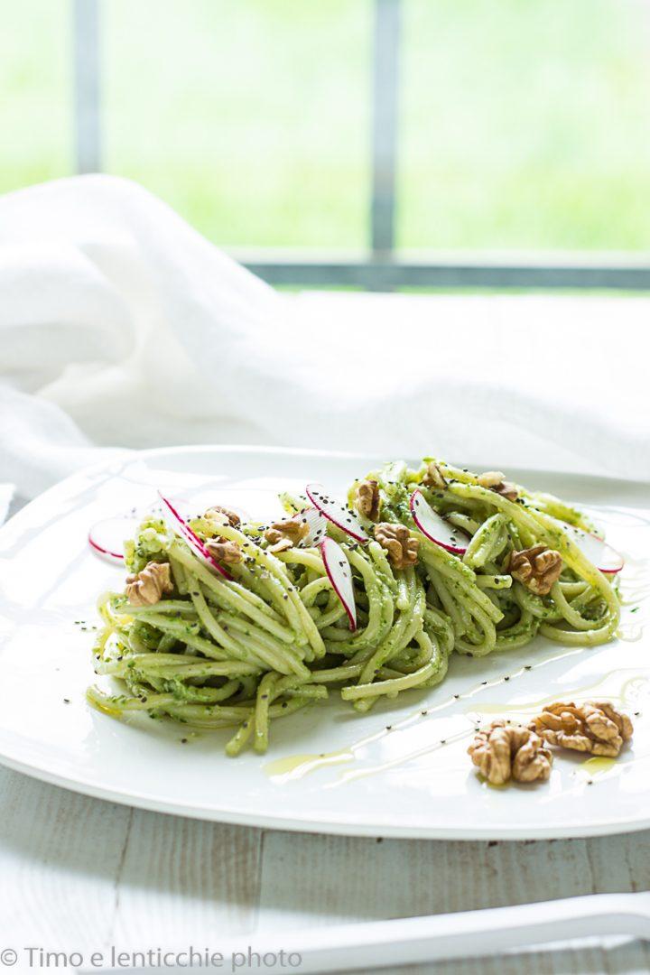 spaghetti al pesto di rapanelli