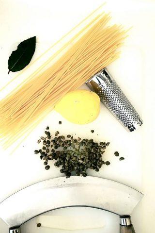 Spaghetti capperi e limone
