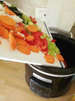 versa le verdure in crock pot