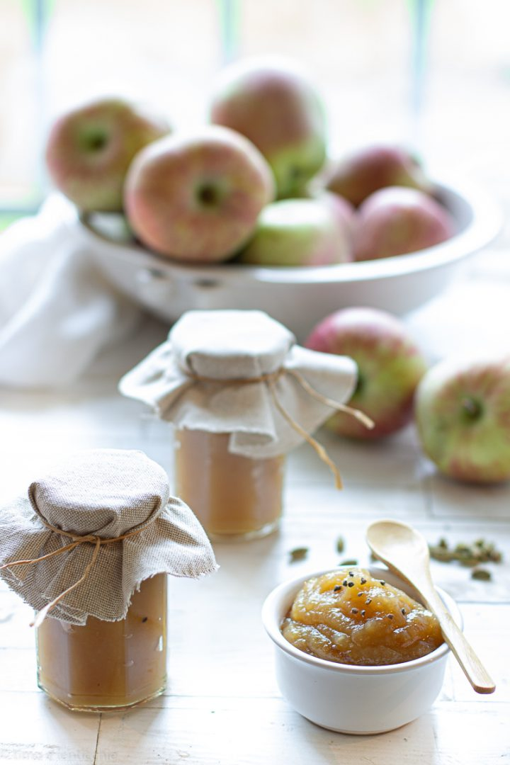 foto di Confettura di mele al cardamomo