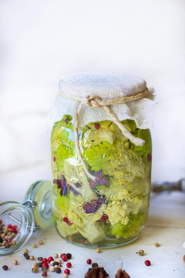 Broccolo romanesco fermentato in salamoia